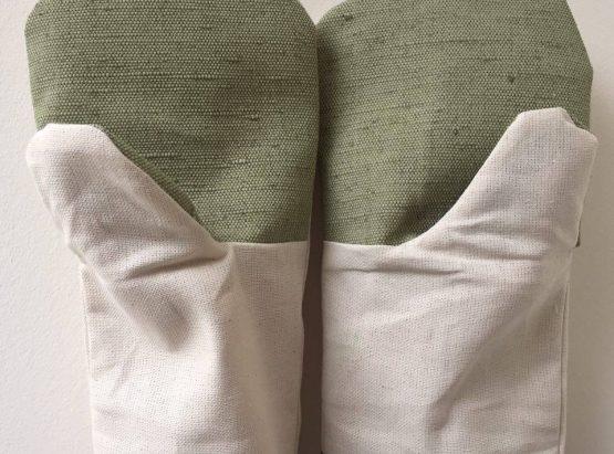 manusi  cu un deget din  bumbac cu stofa prelata in palmă
